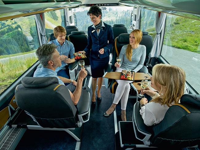 Bus Executive Business Class Service à bord