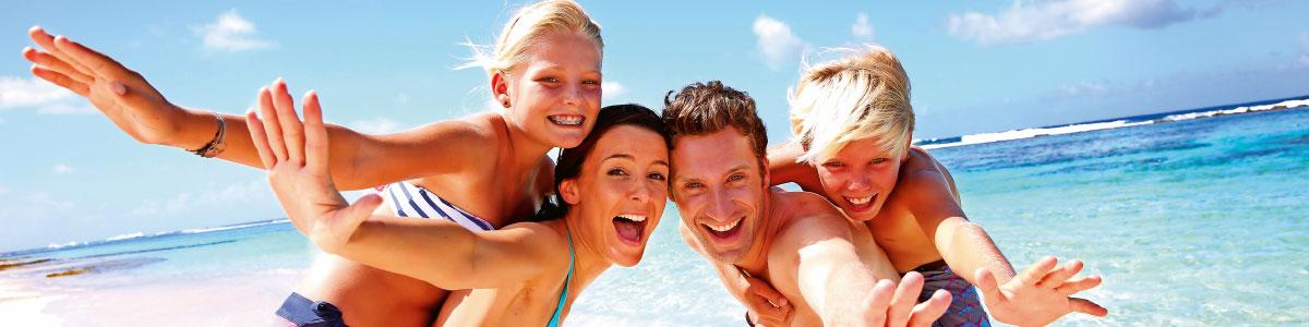 famille en vacances balnéaires en Italie et espagne